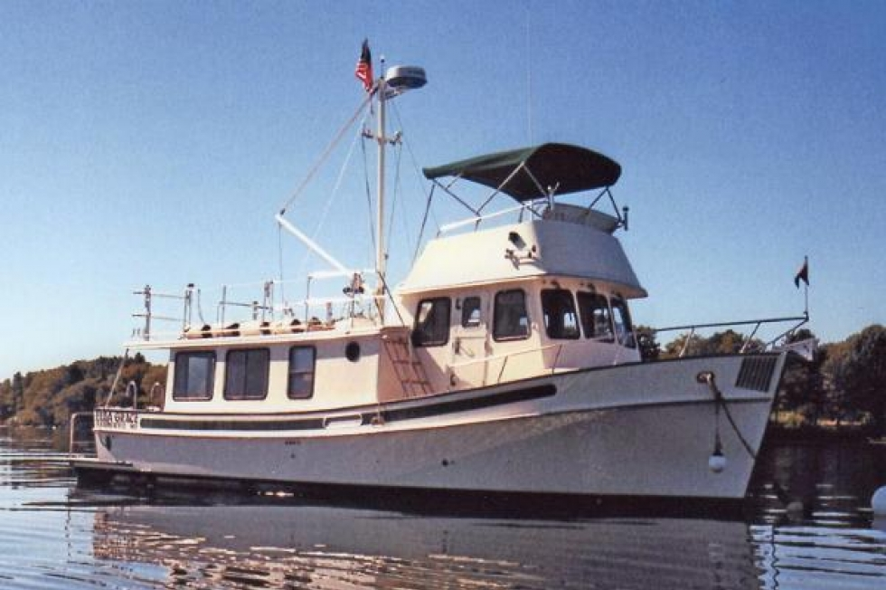 2000 Pacific Cruising Yachts Pacific Trawler 40 Flybridge Boats for