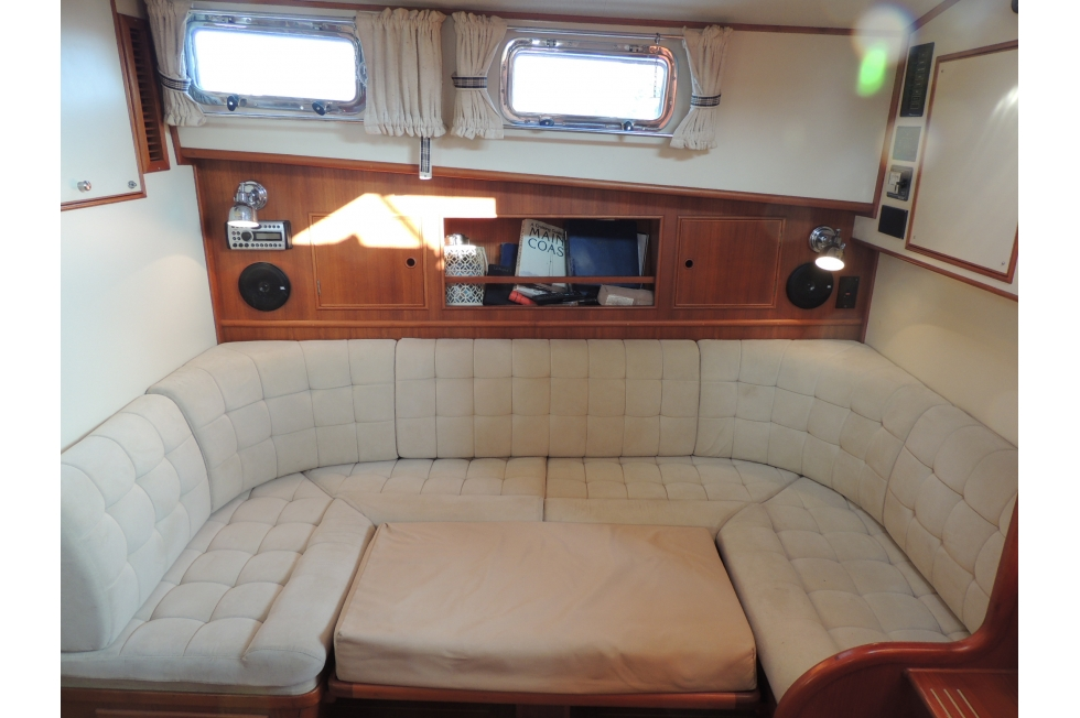 Marvelous 1995 Grand Banks East Bay 38 Boats For Sale East Coast Evergreenethics Interior Chair Design Evergreenethicsorg