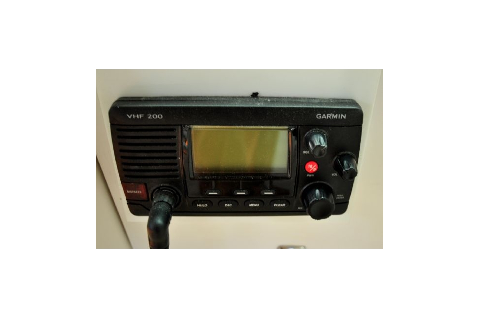 Horizon 52PC - Far Niente - Fly Bridge Marine VHF