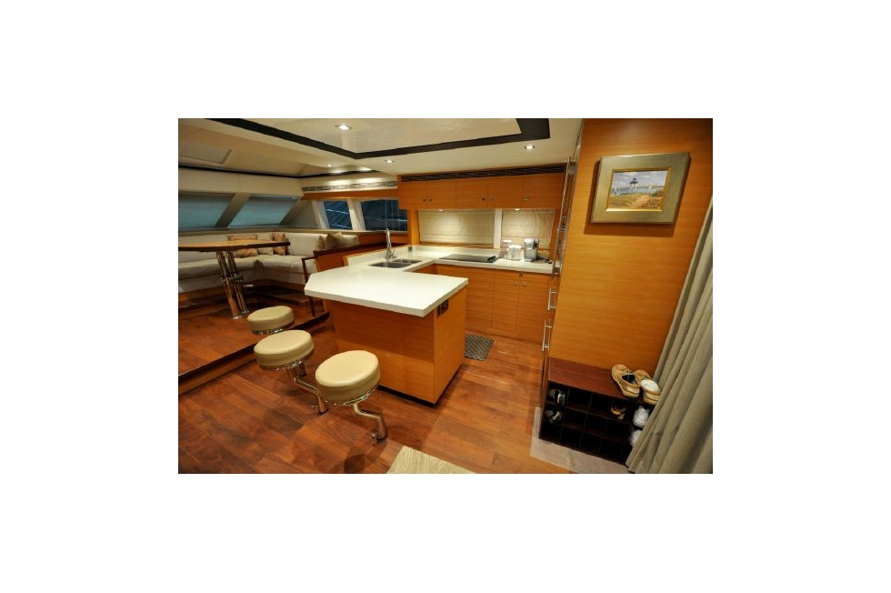 Horizon 52PC - Far Niente - Galley