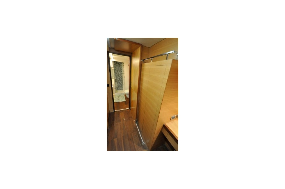 Horizon 52PC - Far Niente - Master Cabin Hanging Locker