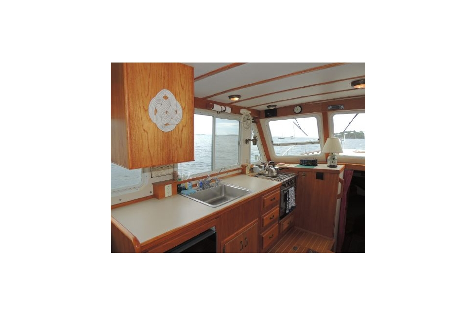 1990 Holland 38 Flybridge